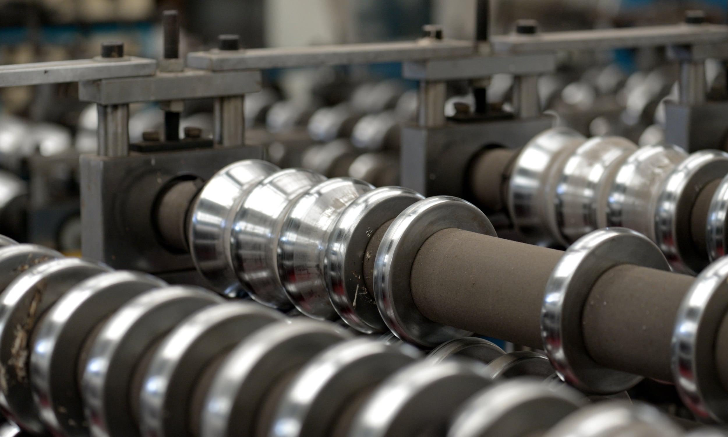 Processi di argentatura e argentatura elettrolitica dei metalli